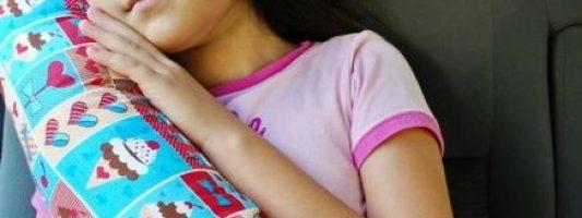 Almofada de cinto de segurança para crianças