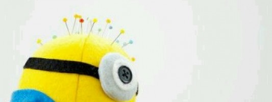 Ateliê – Minion em formato de alfineteiro